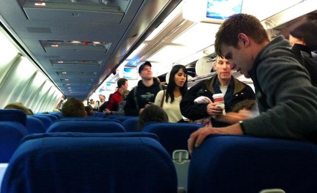 boarding-a-plane-11282012-113858_horiz-large